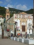 Een tentoonstelling van de kunstenaar Nall in Pietrasanta