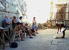 Annette Brasch beim Unterricht, Toskana, Italien