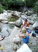 Am Fluß Serra kann man sich erholen oder Inspirationen sammeln, Toskana, Italien