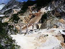 Besuch der weltberühmten Brücken von Vara bei Carrara, Toskana, Italien