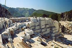"""De nog werkende steengroeve """"La Gioa""""bij Carrara"""